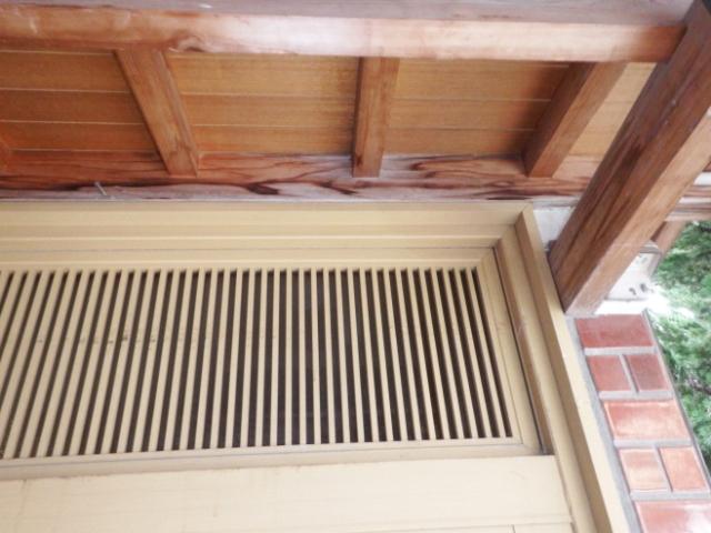 玄関の入口天井からの雨漏り